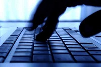Online bank account robbers are jailed